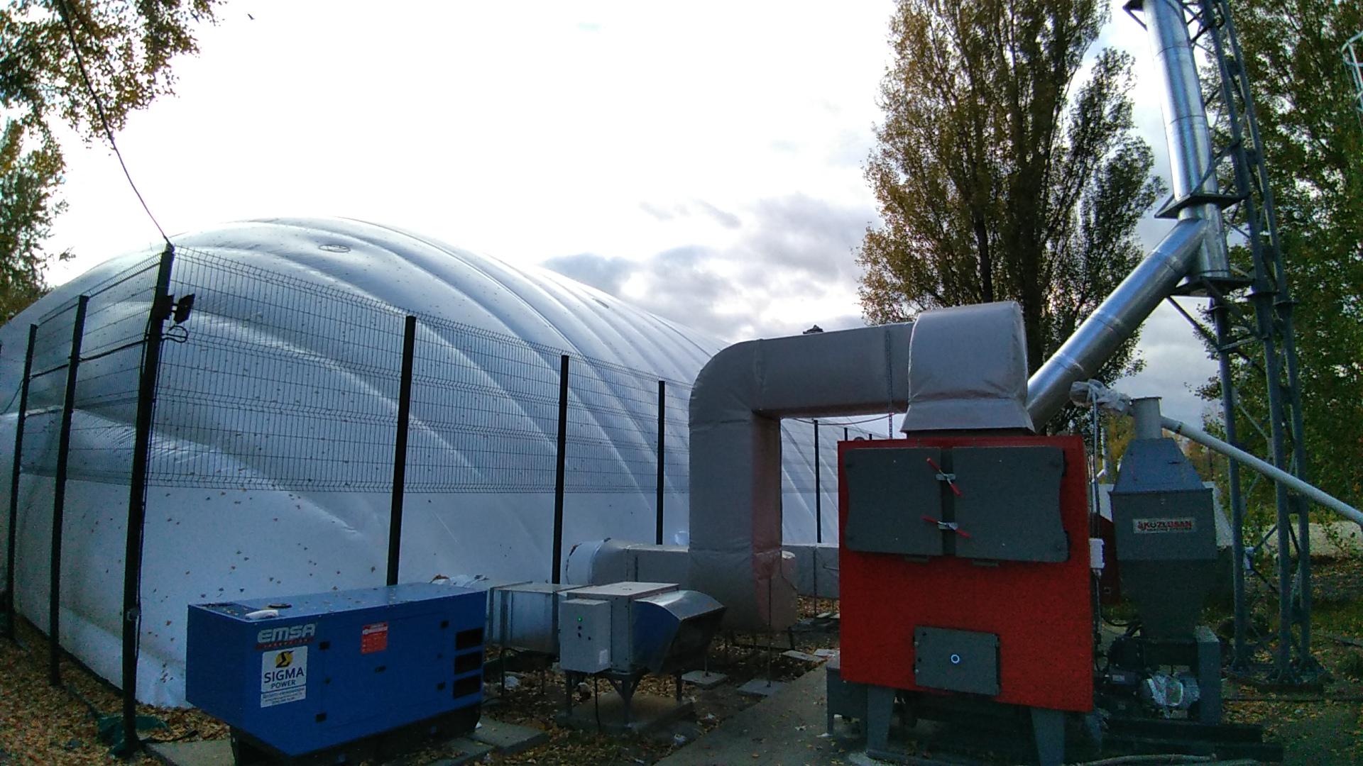 vozdushnoe otoplenie bassejnov tverdopalivnym teplogeneratorom