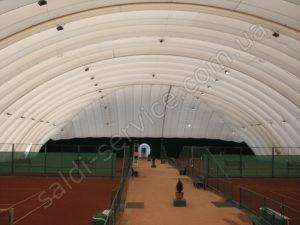 Комплекс тенісних кортів «Вікторія» всередині