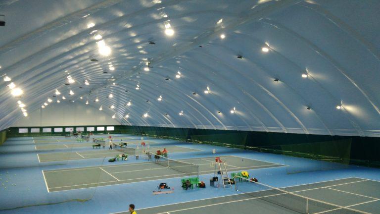 LED освещение теннисных кортов прожекторами
