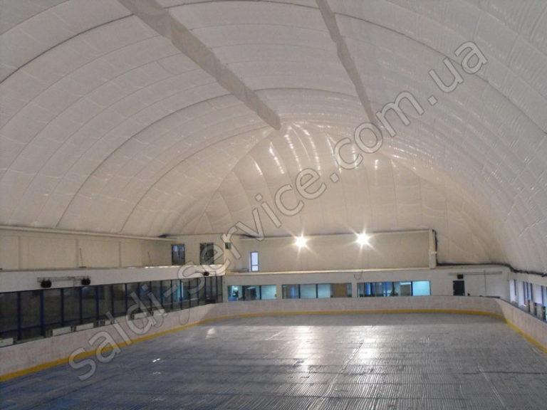 Ледовый каток «Льодовий майданчик» внутри