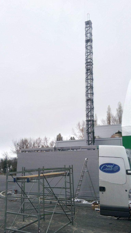 Металлическая опорная мачта для дымохода Киев