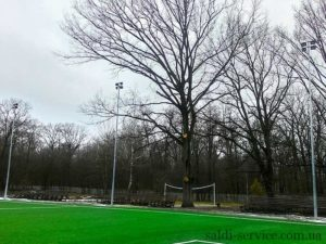 Lighting pylons for a football stadium in Bucha