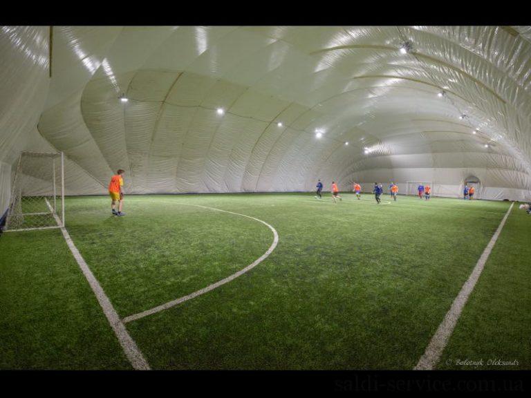Освещение воздухоопорной конструкции мини-футбольного поля в городе Киеве