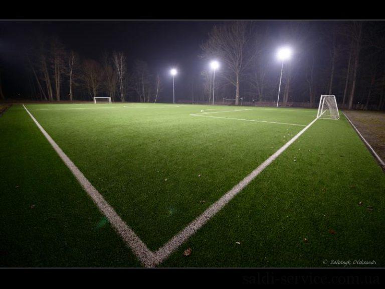 Светодиодное освещение футбольного стадиона в городе Буча