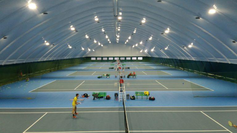 Светодиодное освещение теннисных кортов прожекторами Киев