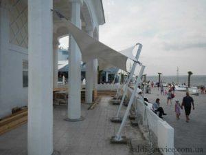 Тентові розтяжки на березі пляжу «Ланжерон»