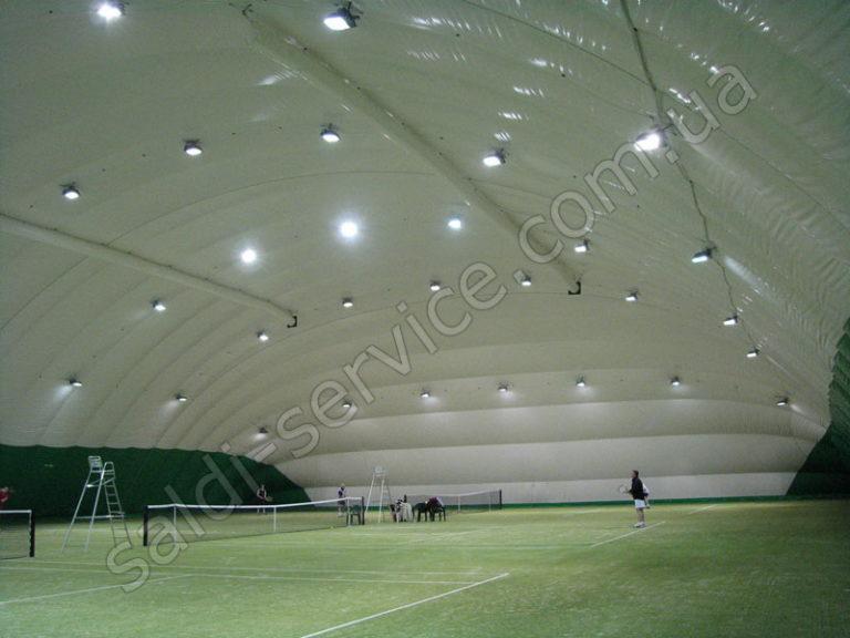 Воздухоопорная конструкция спортивный клуб «Меридиан» внутри