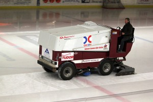 Ice cleaning machine