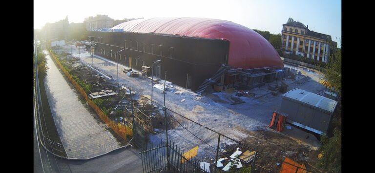 Закончили монтаж воздухоопорной конструкции купола в Мариуполе для накрытия ледового катка (2)