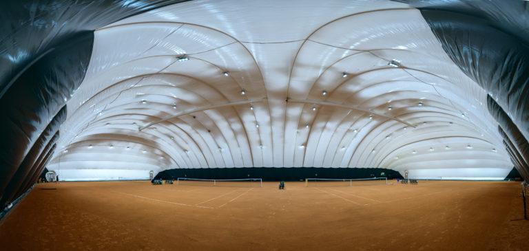 Воздухоопорное сооружение для теннисного корта в Жулянах (3)