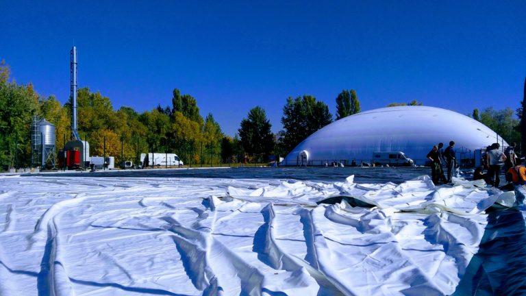 Воздухоопорное сооружение для теннисного корта в Жулянах (4)